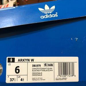 Adidas Arkyns women's-CHALK WHITE/CLOUD WHITE/GUM